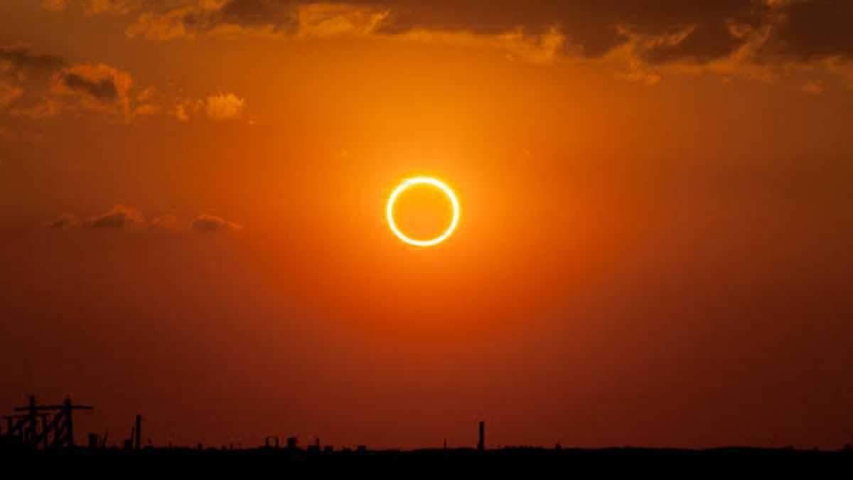 Сонячне затемнення 26 грудня: найяскравіші фото та відео з соцмереж