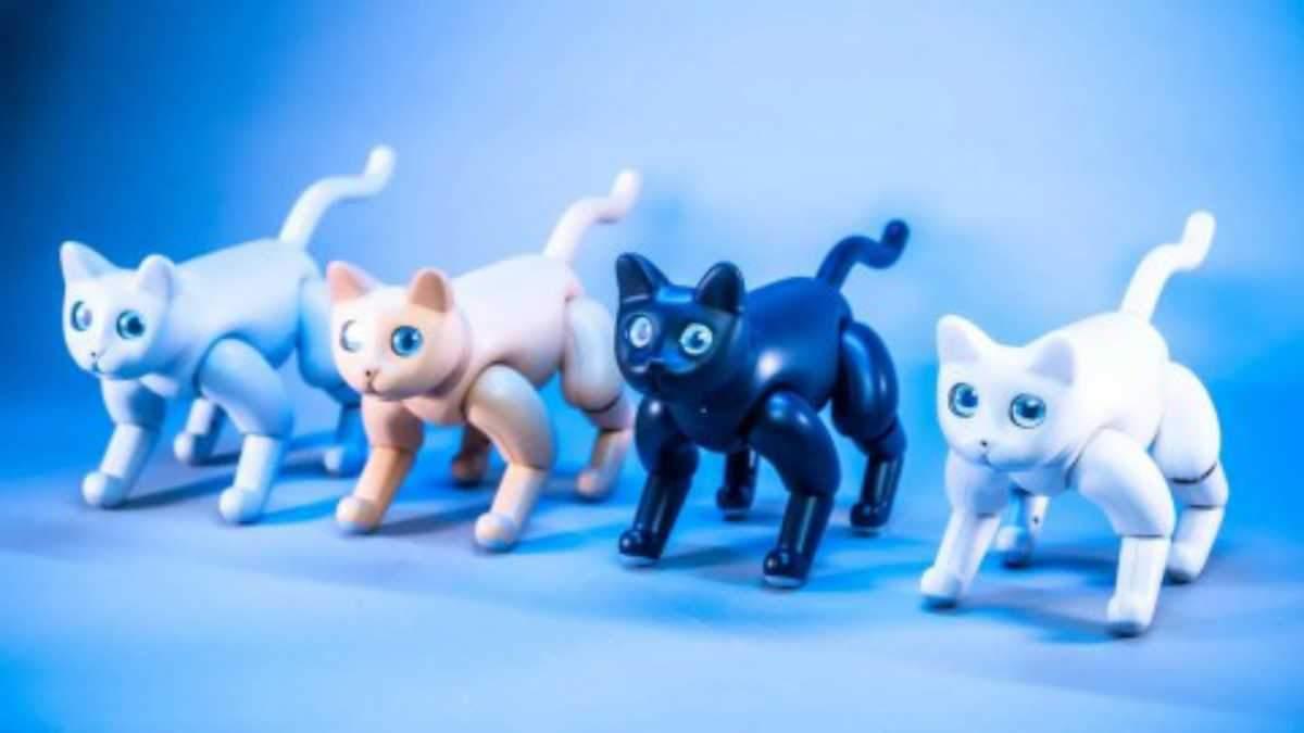 Китайцы разработали очень милого робота-кота: что он умеет