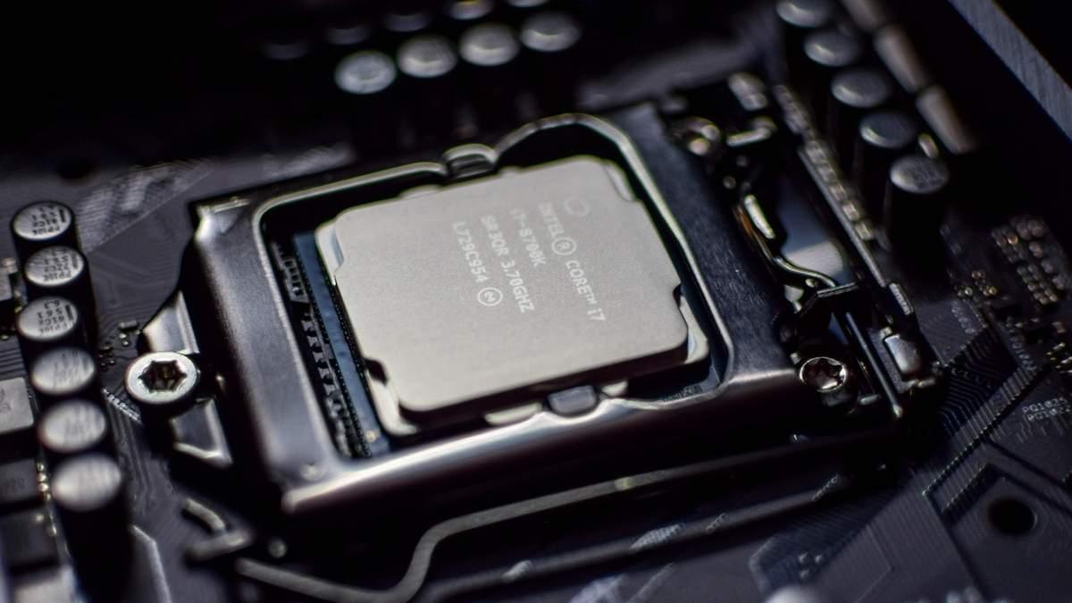 Intel готує 22-ядерний процесор Core i9-10990XE: характеристики та ціна