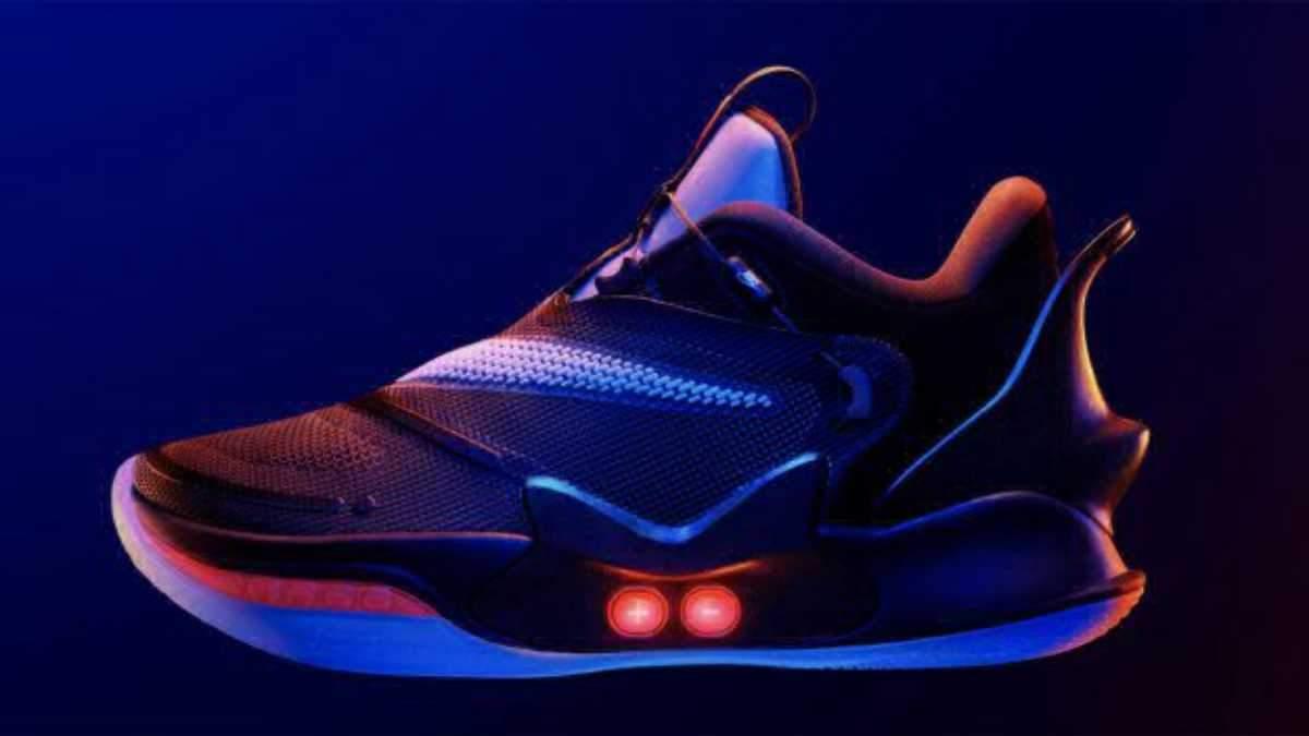 Розумні кросівки Nike Adapt BB 2.0 вміють самі шнуруватись та адаптуються під форму ноги