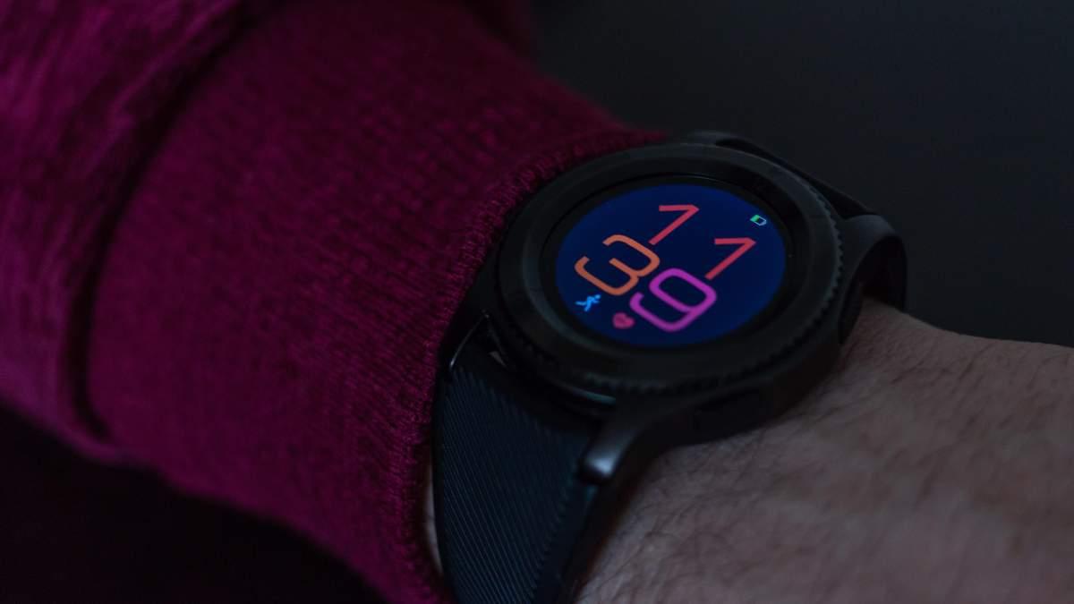 Представили ремінці із вбудованими дисплеями для смарт-годинників: відео