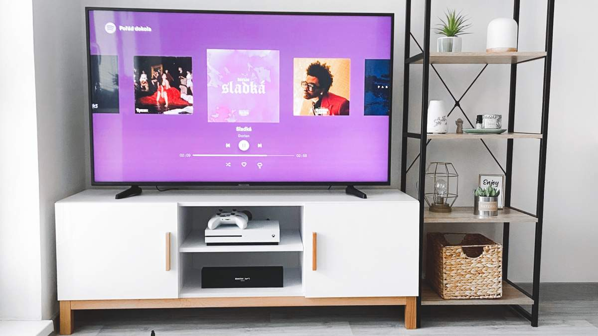 Чому блокуються телевізори Samsung та як їх розблокувати: інструкція