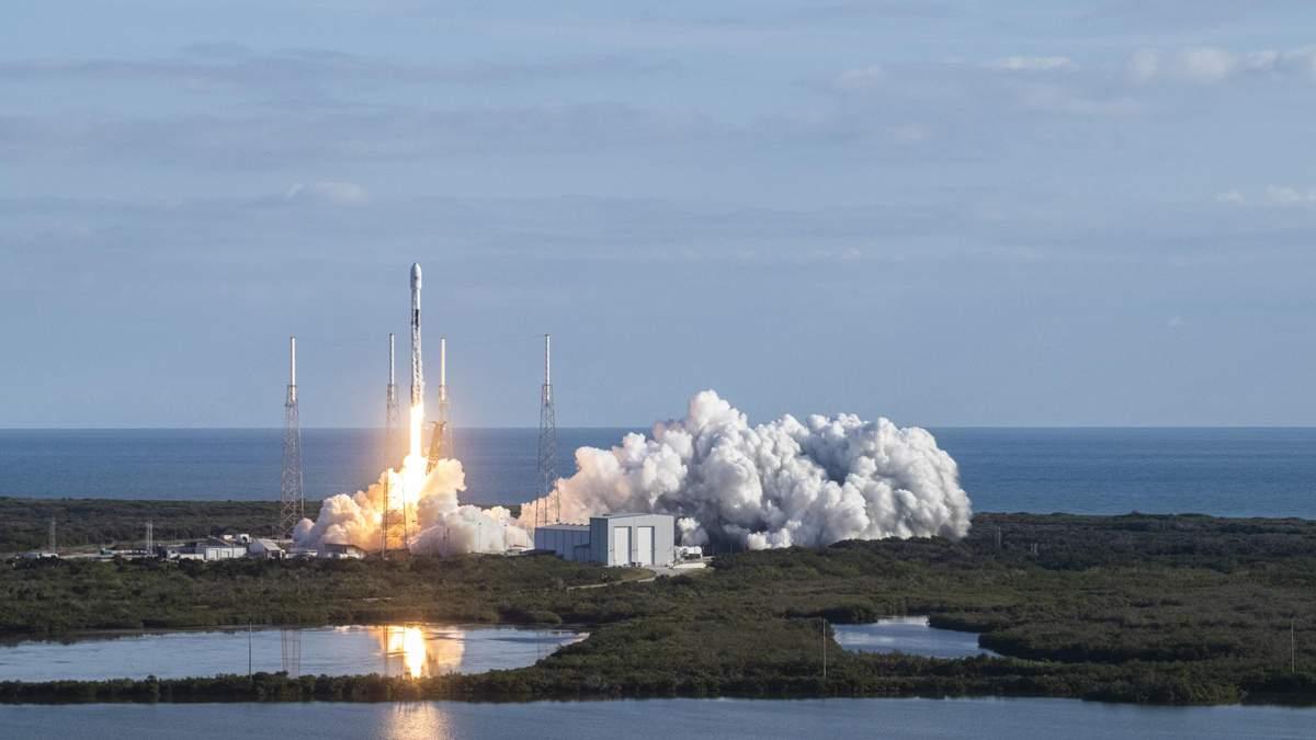 SpaceX запускає 60 супутників – дивитися онлайн трансляцію запуску