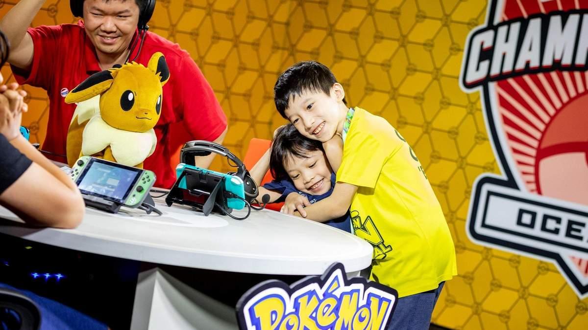 Семилетняя девочка победила на международных соревнованиях в игре Pokemon