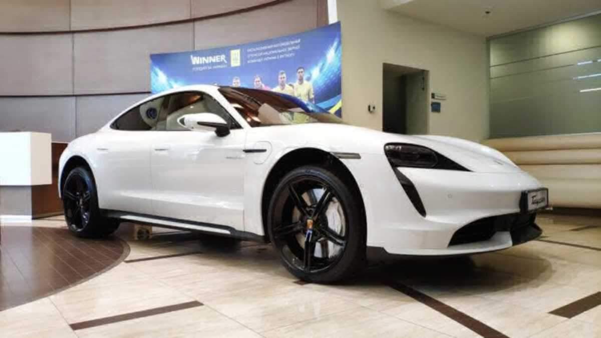 Электрокары Porsche популярны в Украине