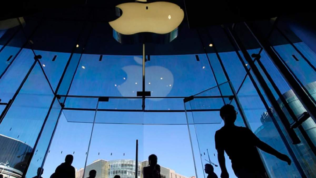 Apple на 2 тижні закриває магазини в усьому світі