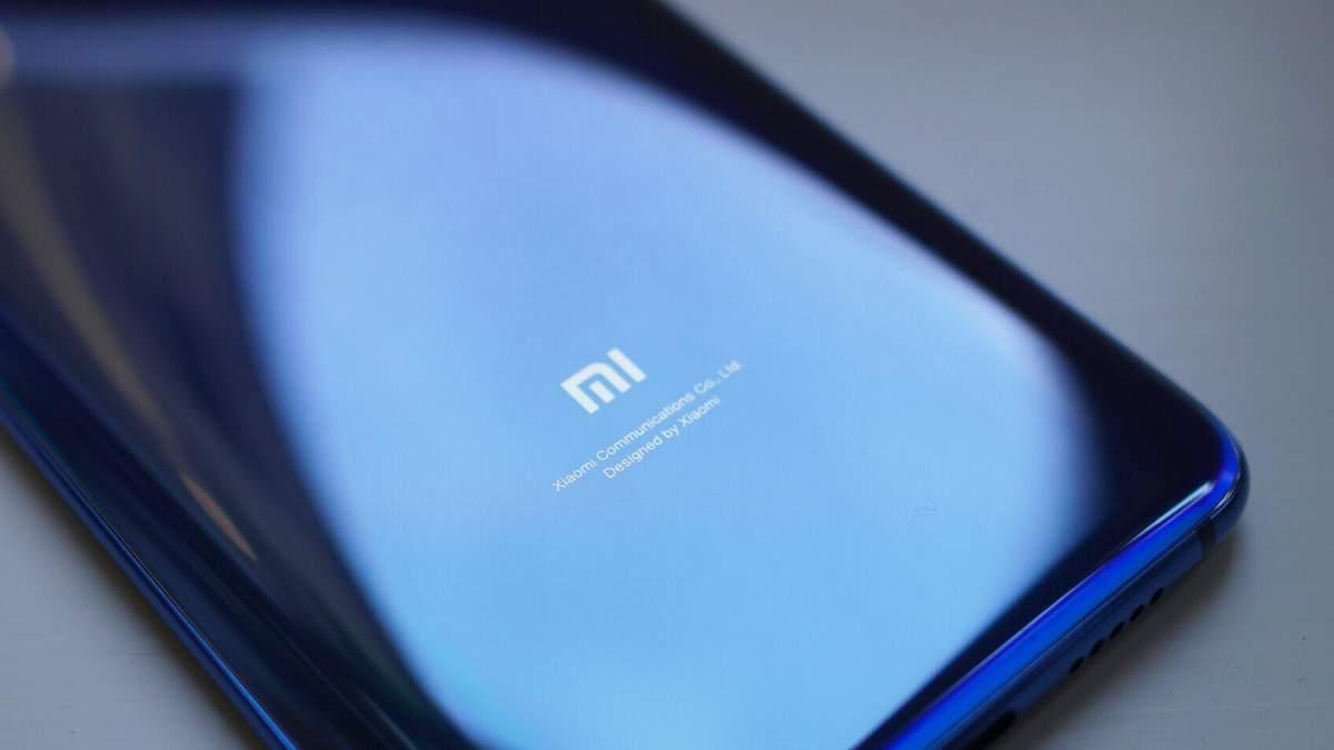 Xiaomi запатентовала смартфон с гибкой камерой: фото