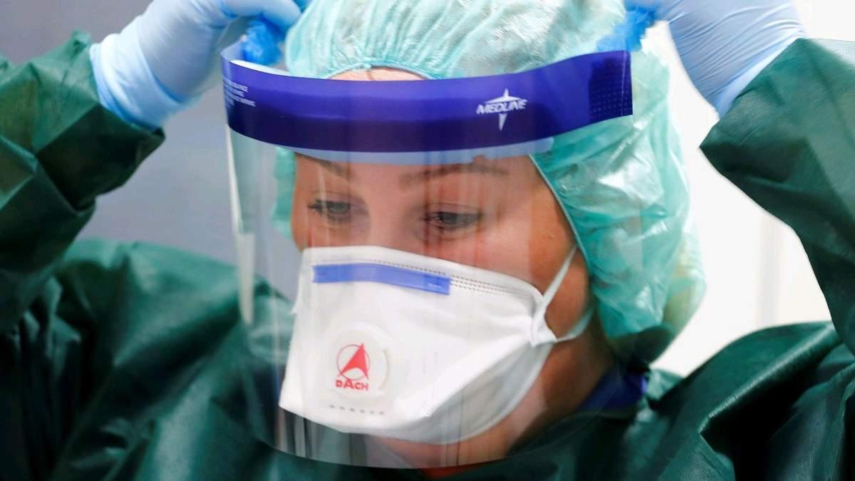 Apple и Facebook жертвуют перчатки и маски для борьбы с коронавирусом
