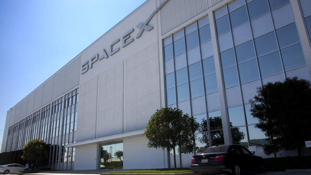 Штаб-квартира SpaceX Готорн, США