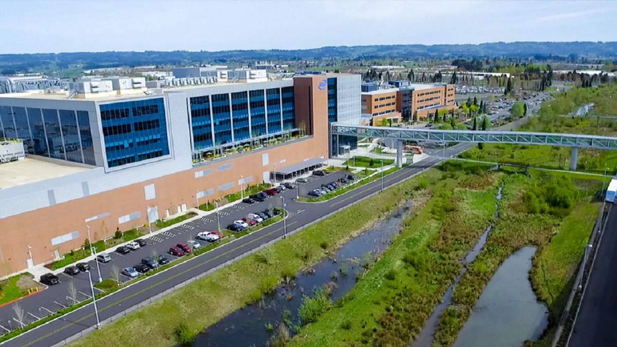 Intel выделяет деньги на помощь пострадавшим от коронавируса
