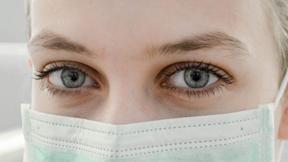 Apple випустила 20 мільйонів медичних масок