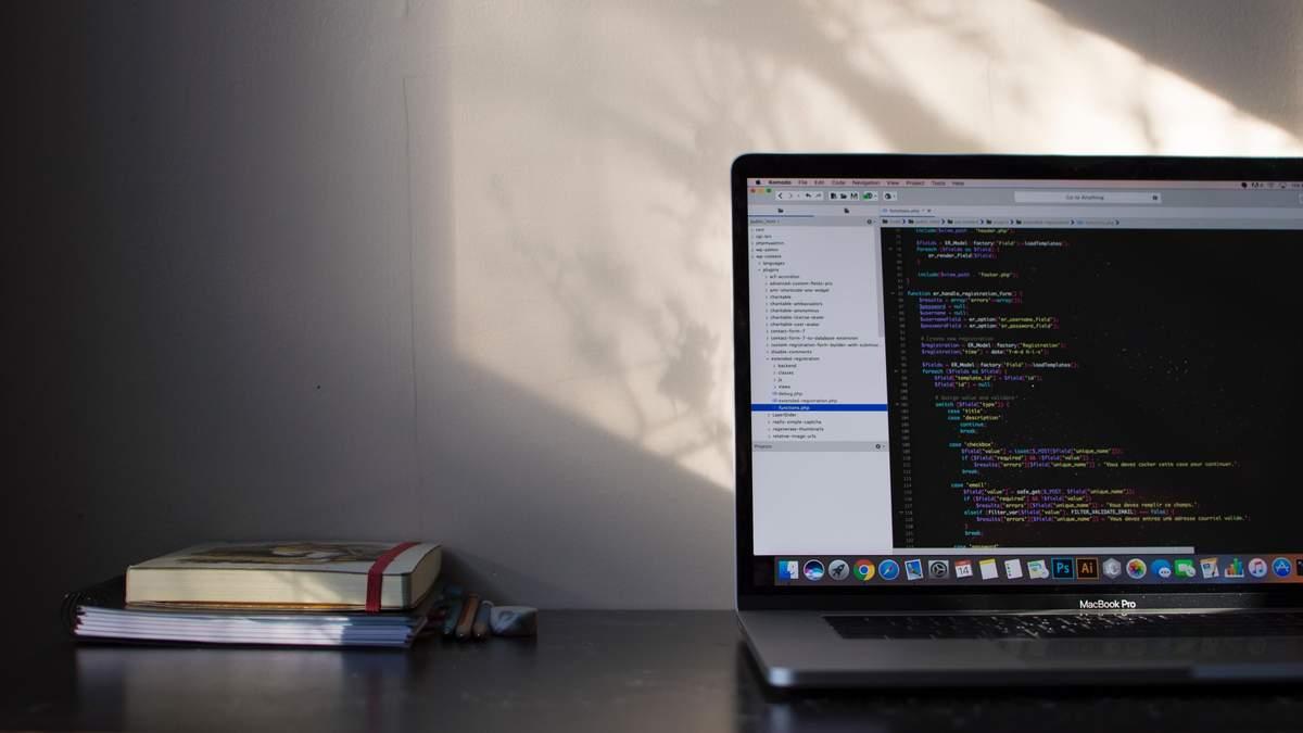 В США из-за коронавируса увеличился спрос на программистов, знающих язык Cobol