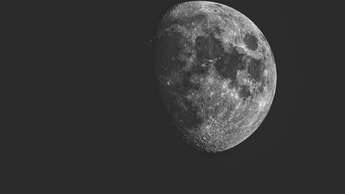 NASA встановить гігантський телескоп на зворотньому боці Місяця