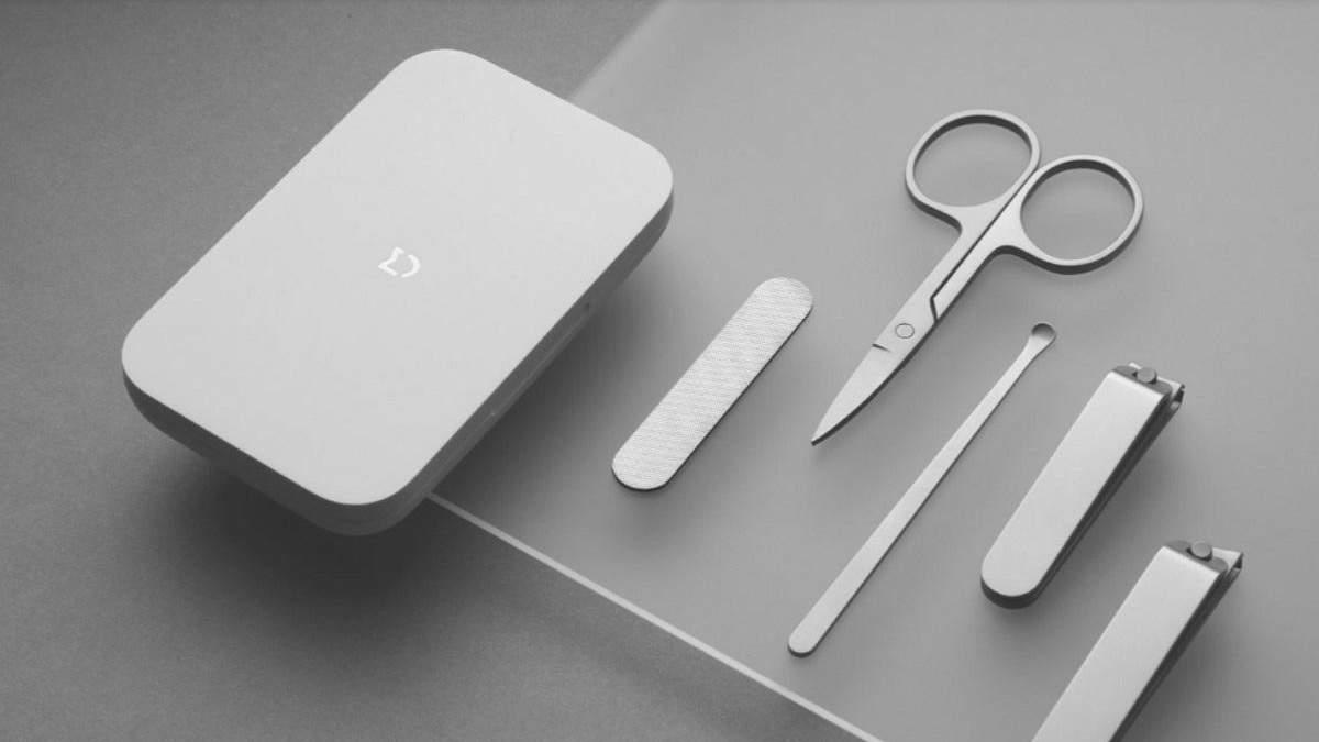 Xiaomi выпустила набор для маникюра и гаджет для ухода за кожей лица