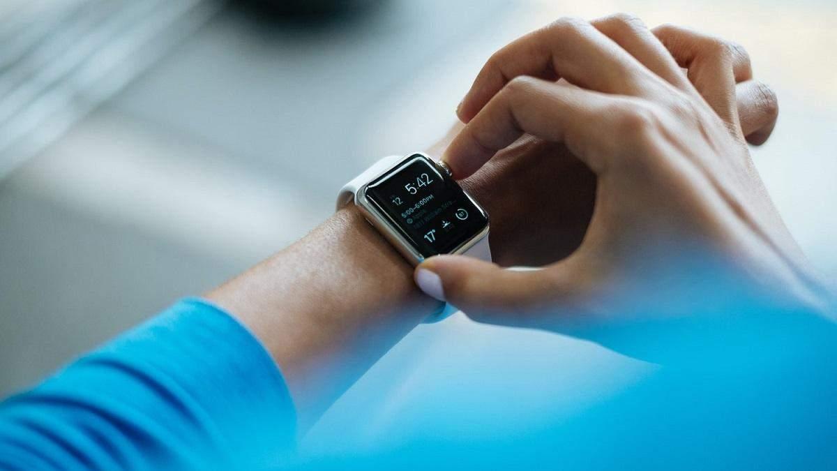 Тримай зв'язок з найдорожчими людьми: Facebook тестує зручний месенджер для Apple Watch