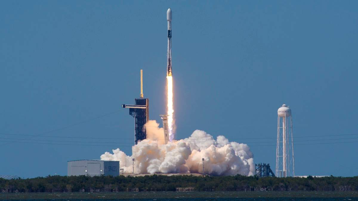 SpaceX успешно вывела на орбиту еще 60 спутников системы Starlink
