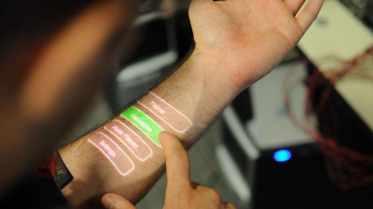 Інженери створили багатофункціональну електронну шкіру, що працює від поту