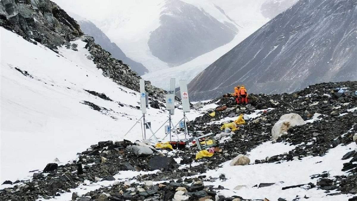На Евересті встановили станцію для зв'язку 5G