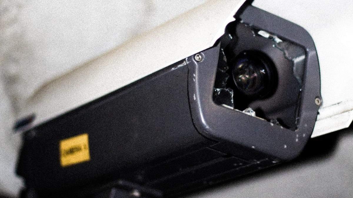 Уродливая футболка делает владельца невидимым для распознавания камерами