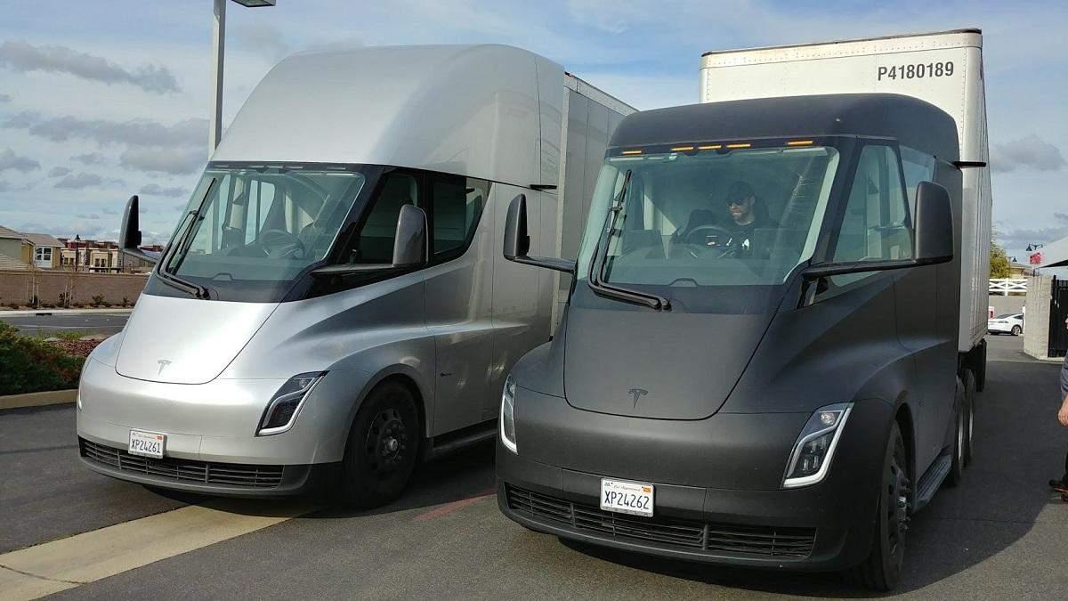 Tesla починає серійне виробництво електровантажівок Semi