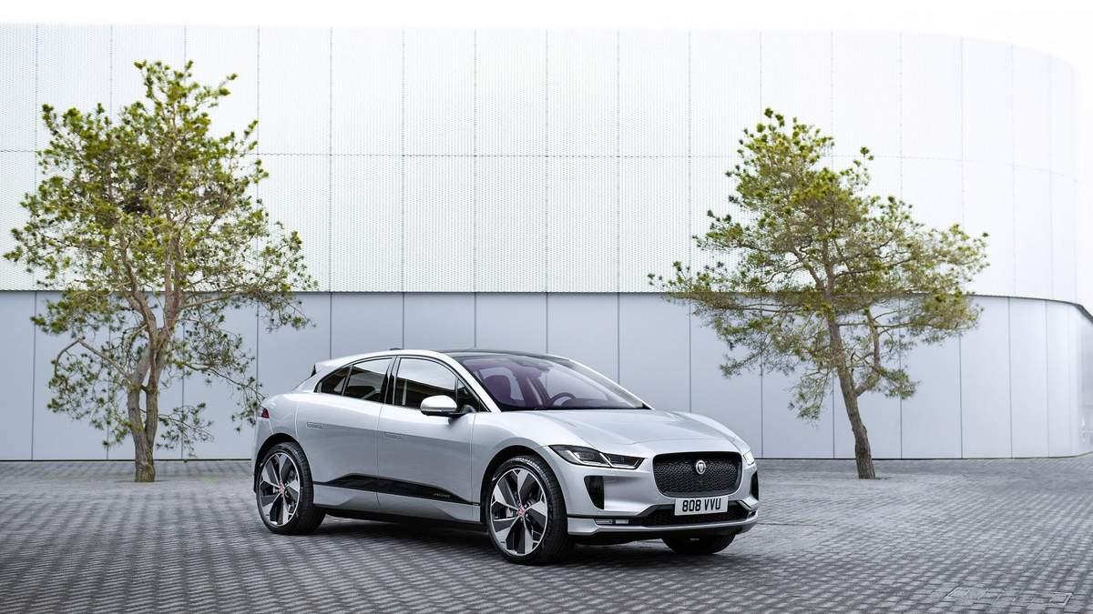 Jaguar Land Rover запускает электротакси с беспроводной зарядкой