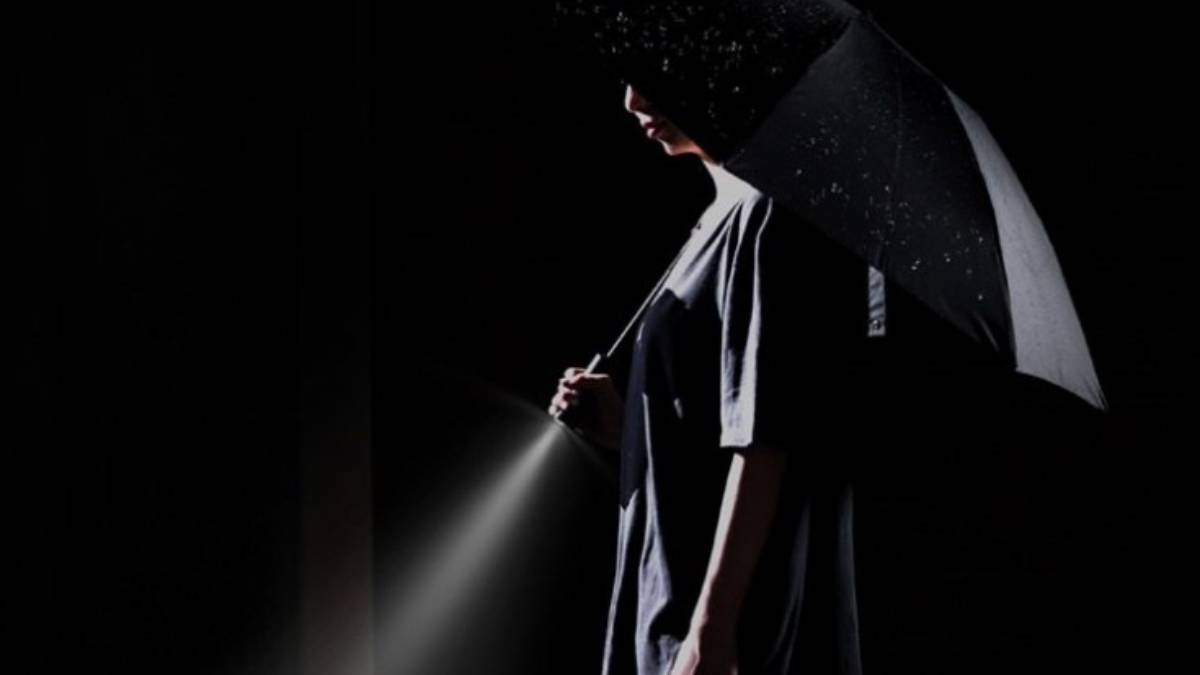 Девайс дня: автоматический зонт от Xiaomi с фонариком
