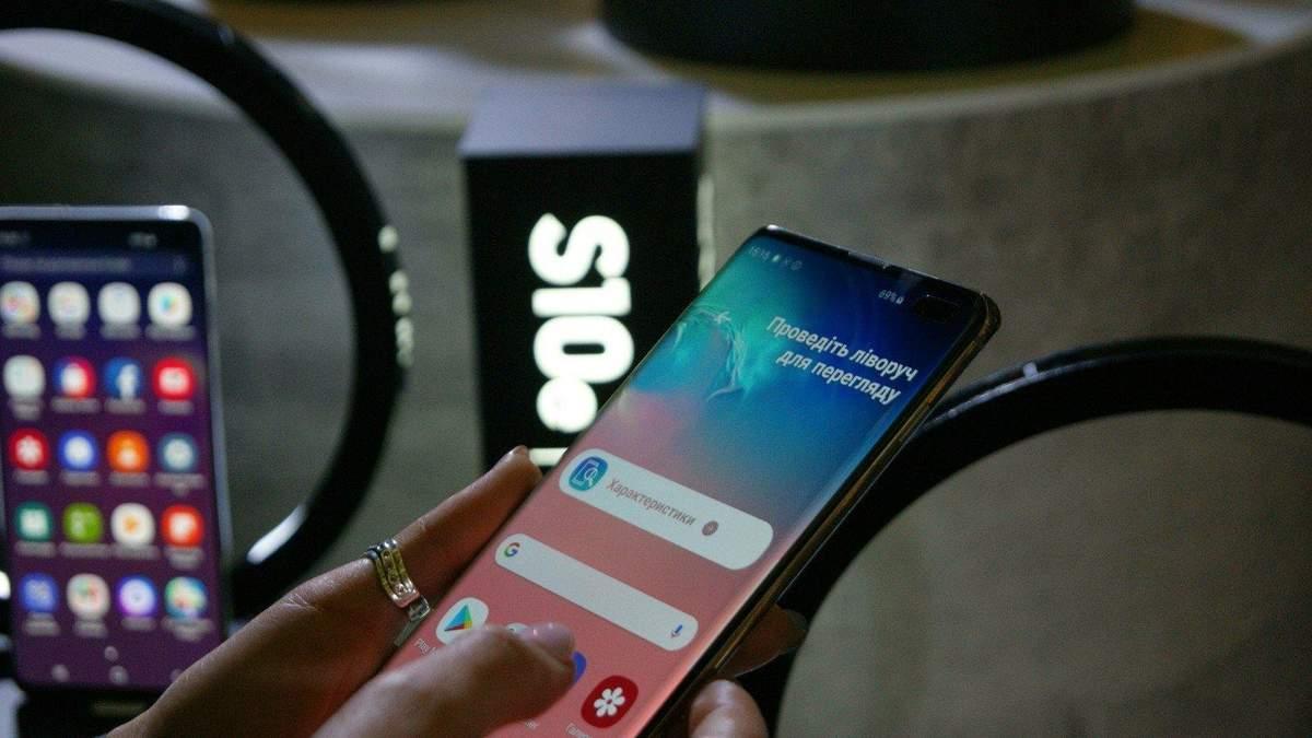 Новые смартфоны Samsung будут без зарядки