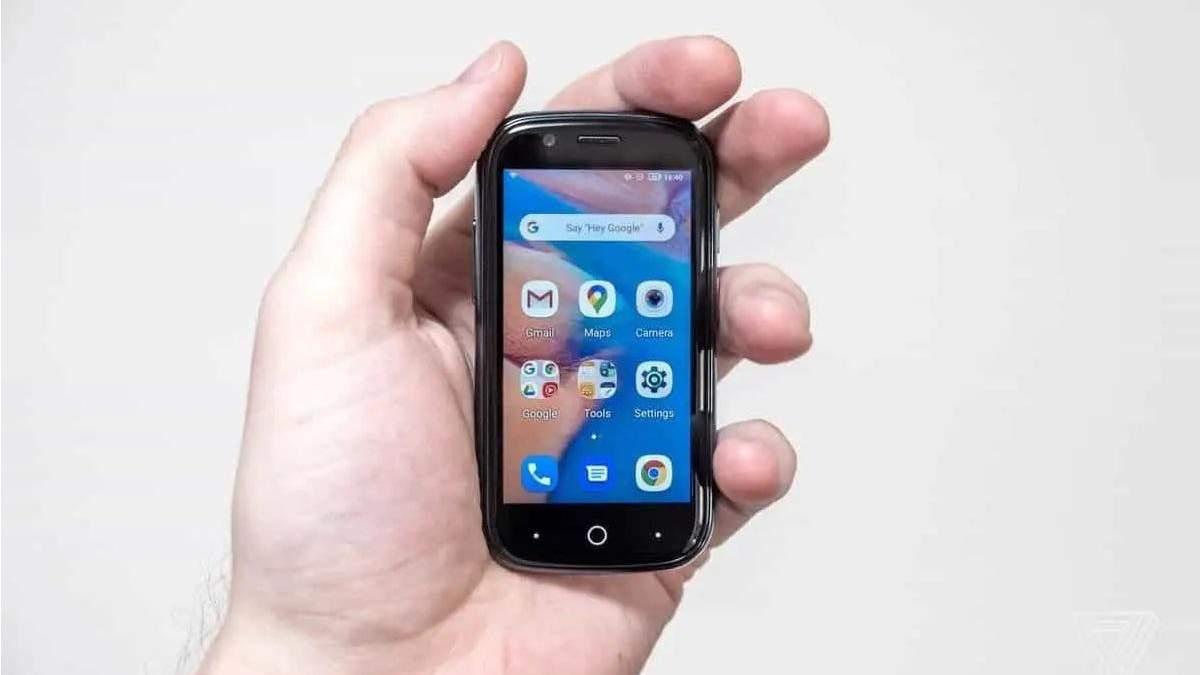 Unihertz представила найменший у світі смартфон на Android 10