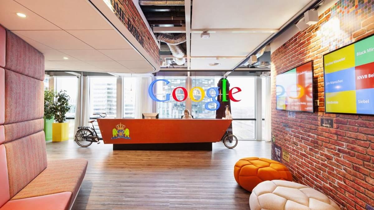 Робітники Google працюватимуть віддалено щонайменше рік