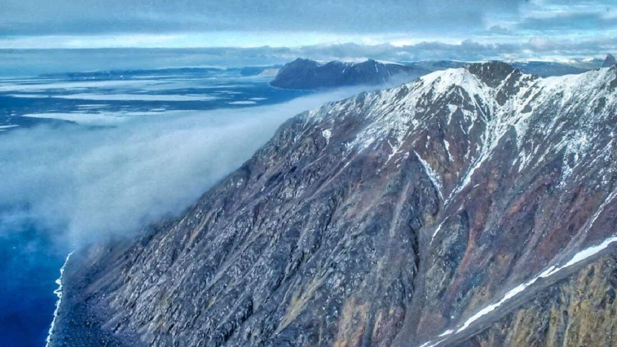 Дві Арктичні шапки повніст. зникли і це видно на знімках NASA
