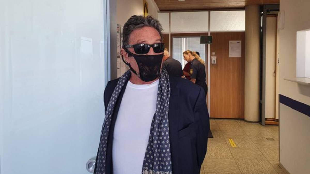 Джон Макафі вибрав оригінальну маску