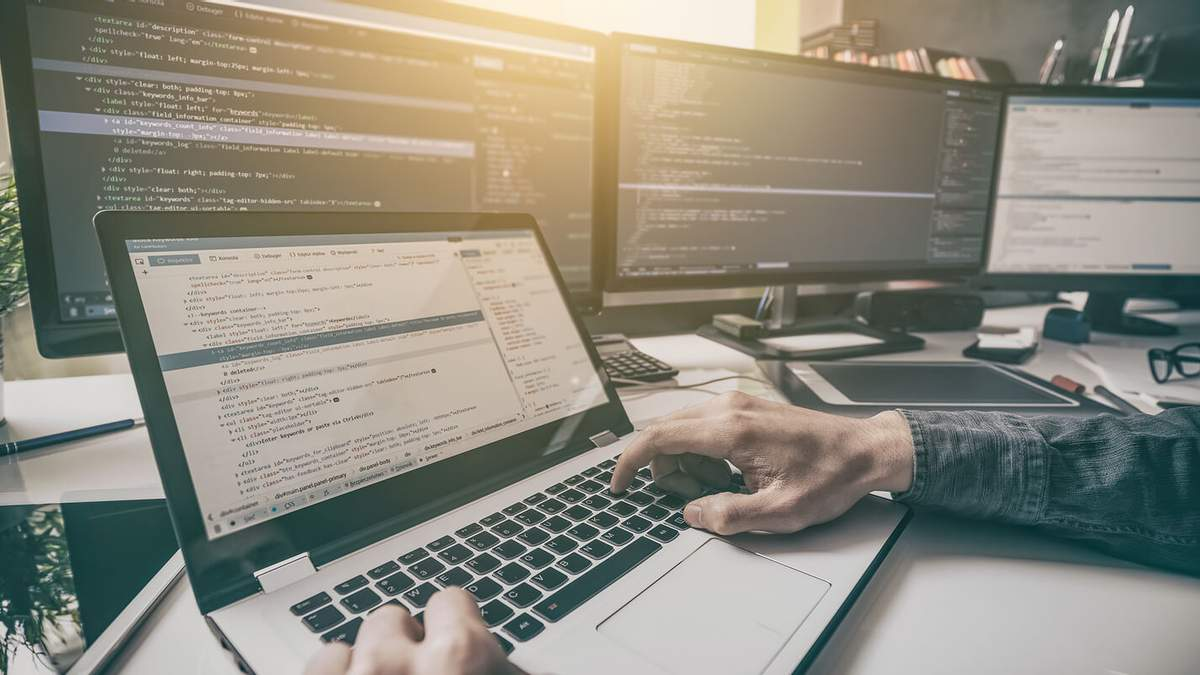 После войны в IT-сферу: ветеранов АТО бесплатно обучают программированию – видео