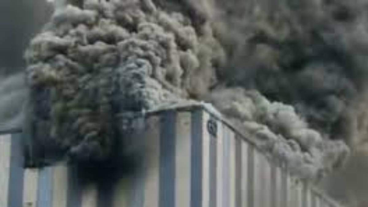Пожежа на виробництві Huawei 25 вересня 2020 року - відео, фото
