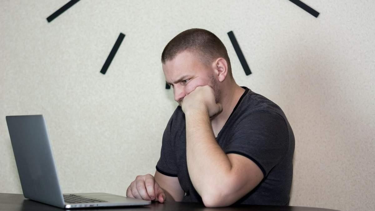 Вакансія в Opera: шукають людину, що  весь день сидітиме в інтернеті