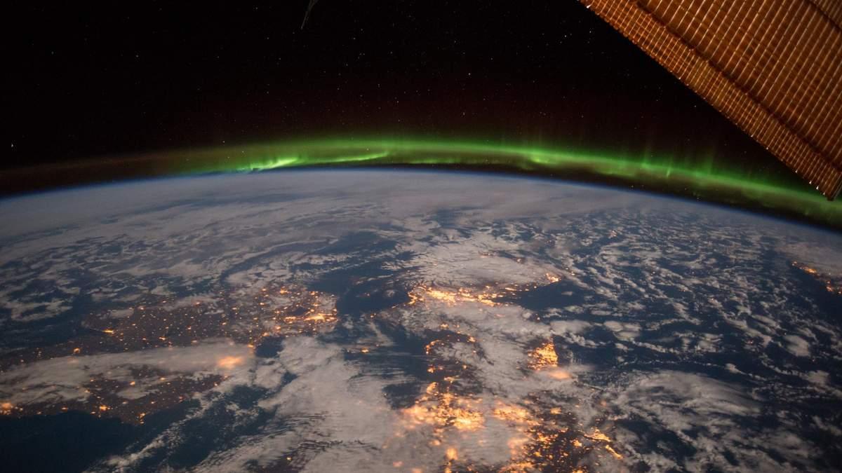 Астронавт NASA снял потрясающее видео Земли с борта Crew Dragon