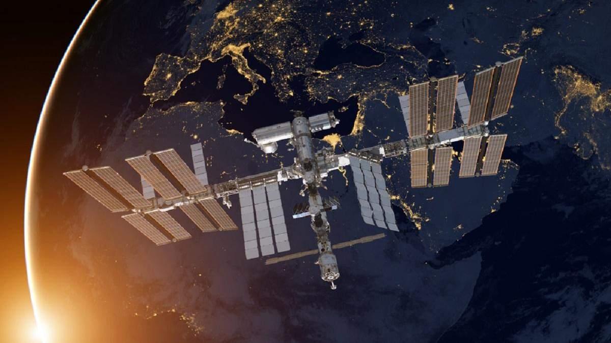 Космонавти повідомили, що витік повітря на МКС досі продовжується