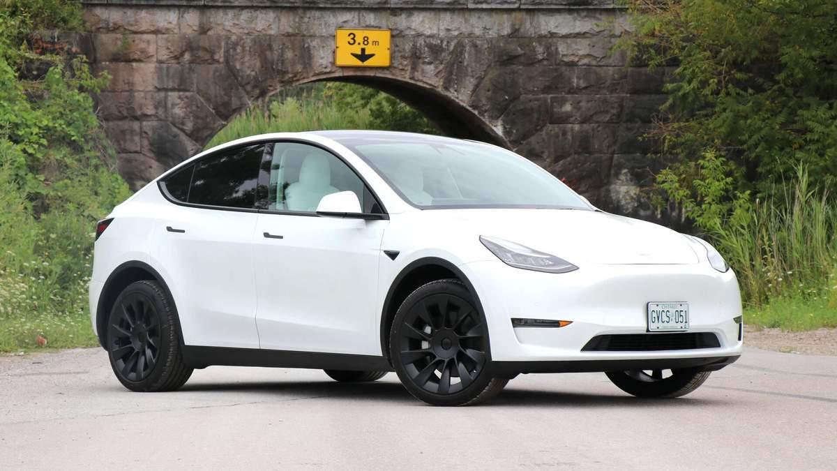 Tesla продала в Китаї 100 000 електрокарів Model Y за 10 годин