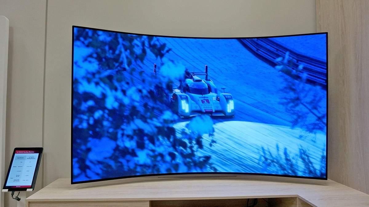 LG підготувала гнучкий OLED-монітор, який змінює форму
