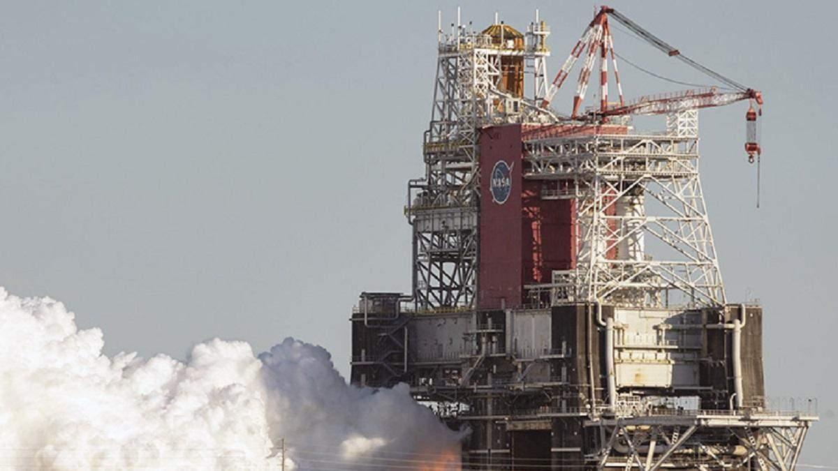Огневые испытания ракеты NASA SLS закончились неудачей: видео