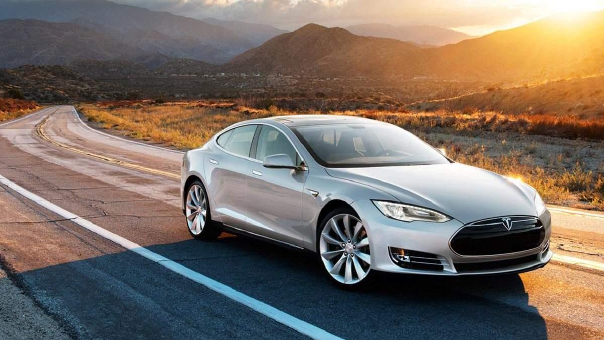 Tesla Model 3 взорвалась на парковке в Шанхае