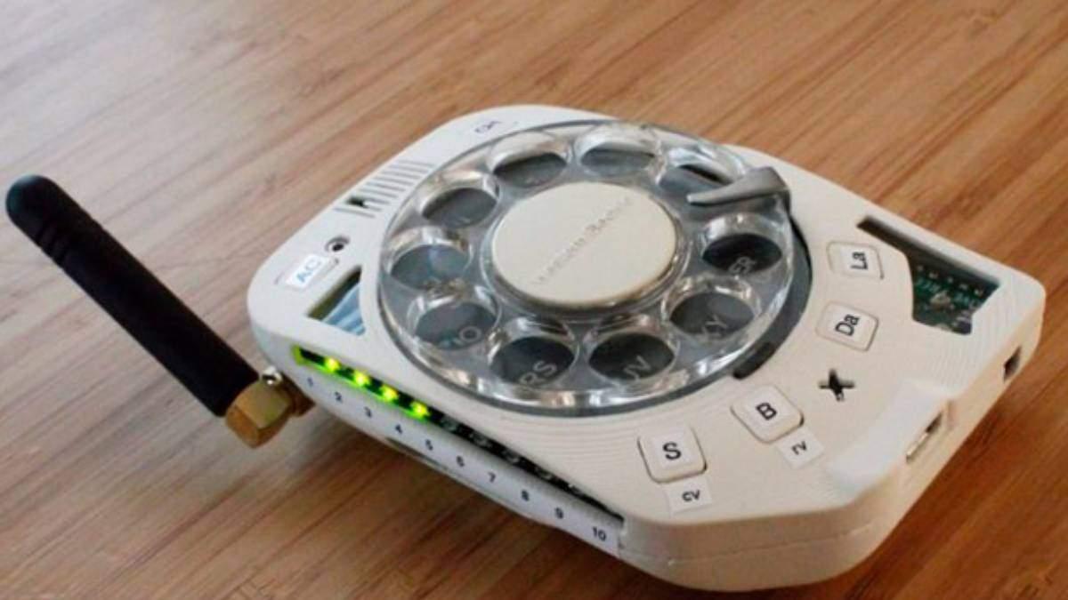 Телефон с реальным дисковым набором поступил в продажу: видео