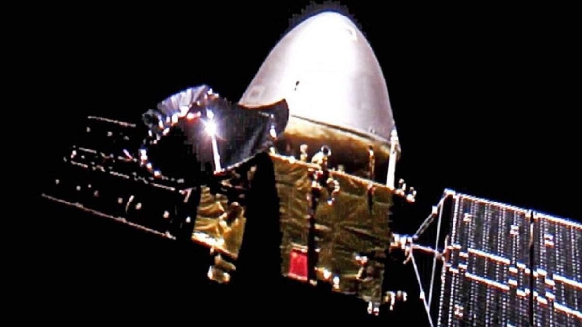 """Китай успешно вывел зонд """"Тяньвень-1"""" на орбиту Марса"""