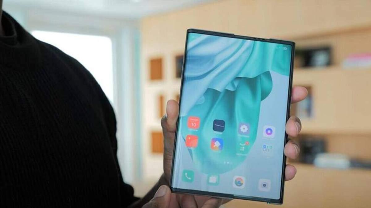 Смартфон Oppo, который будет растягиваться, скоро появится на рынке