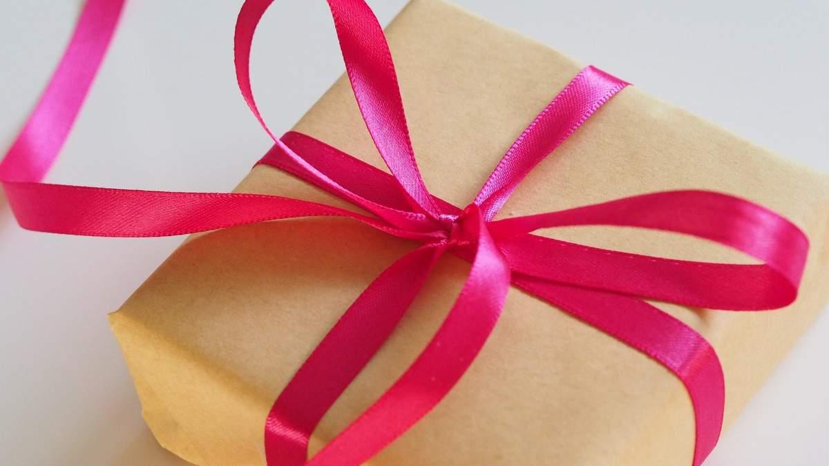 Що подарувати дівчині на 8 березня - ідеї подарунка з техніки