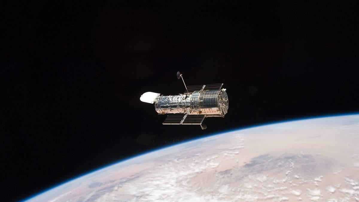 Hubble полагодили після програмного збою