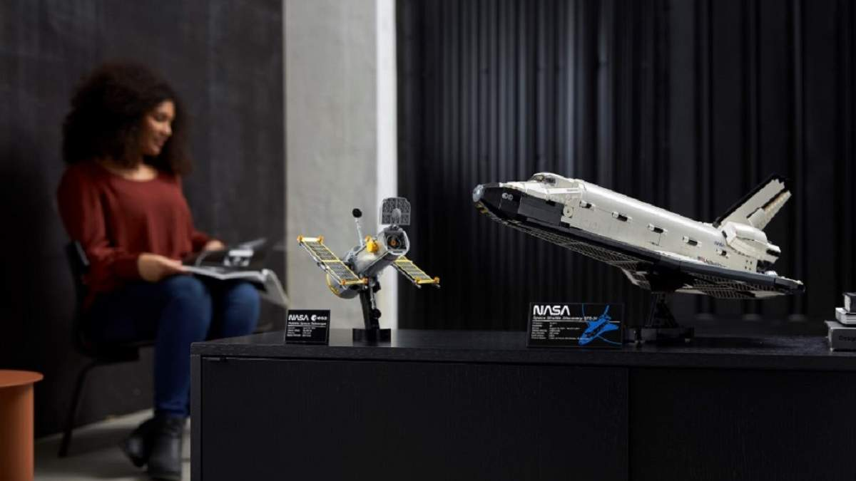 LEGO вместе с NASA представила набор Space Shuttle Discovery к 40 годовщине запуска