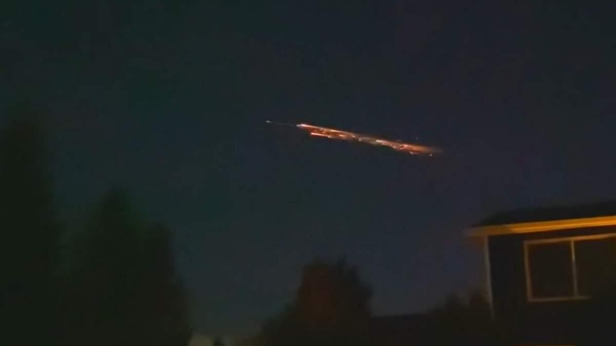 Falcon 9 видовищно згоріла в атмосфері: дивіться відео