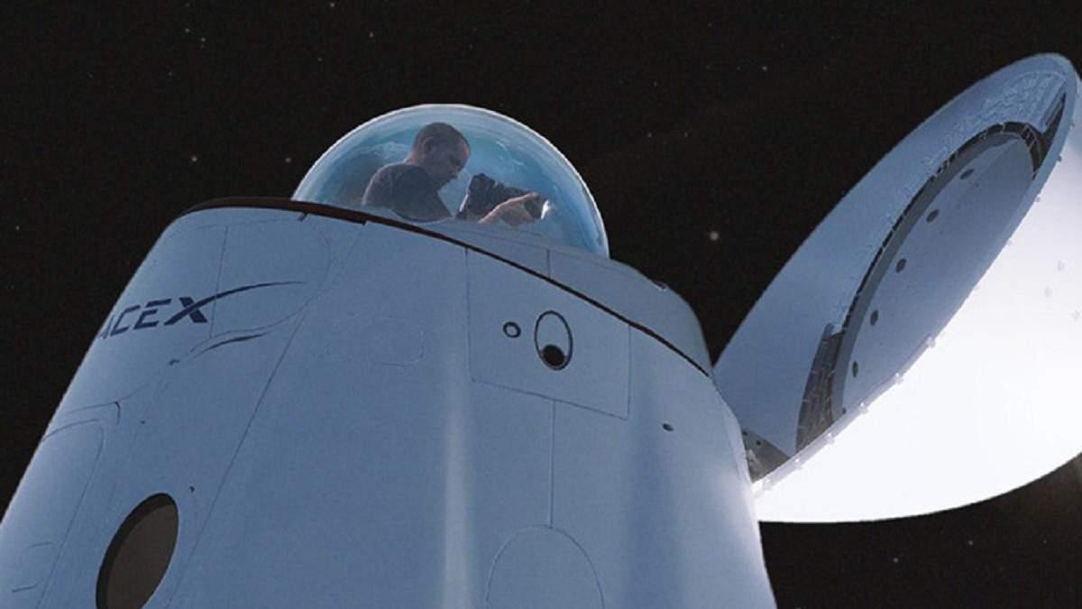 SpaceX показала новий Crew Dragon зі скляним куполом і назвала імена членів екіпажу Inspiration4