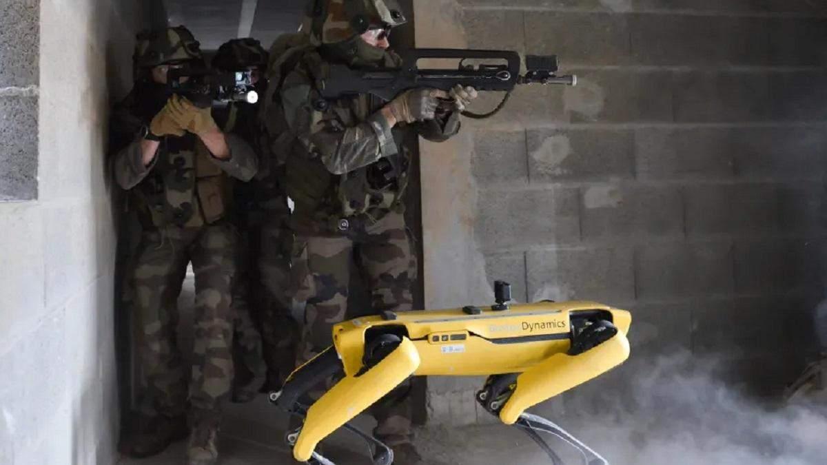 Робопес Spot пройшов випробування на полі бою з військовими