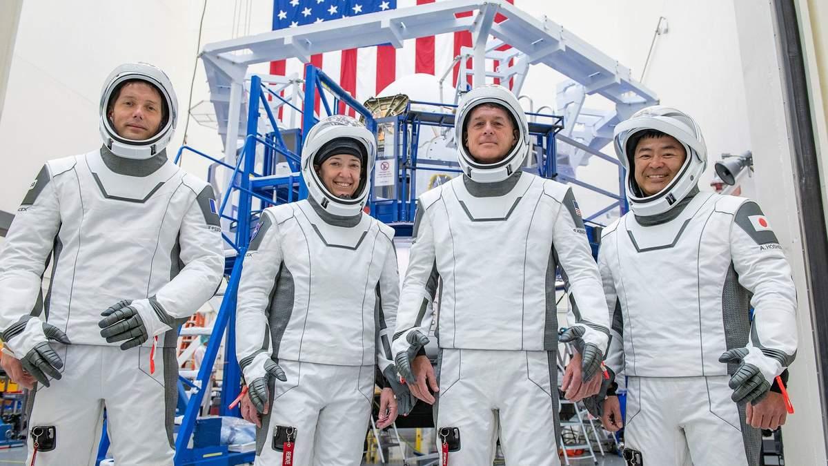 NASA та SpaceX підготували до старту корабель Crew Dragon